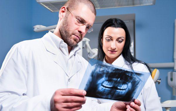 Vytažení (extrakce) zubů moudrosti